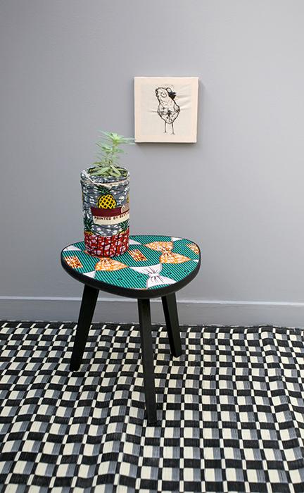 table tripode boucle d or 30 cm supreme life la. Black Bedroom Furniture Sets. Home Design Ideas