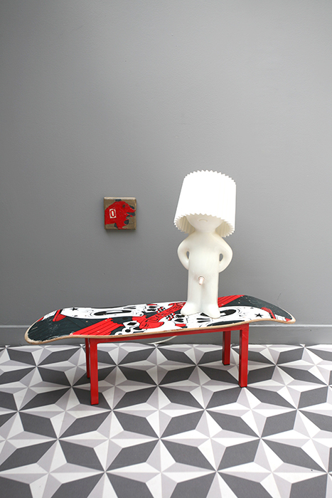 borderline s stool ghost la mauvaise r putation. Black Bedroom Furniture Sets. Home Design Ideas