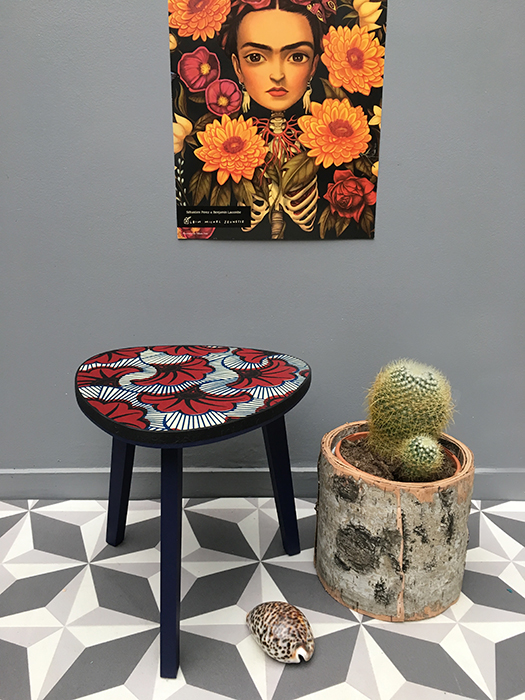 table tripode boucle d or 30 cm frida la mauvaise. Black Bedroom Furniture Sets. Home Design Ideas