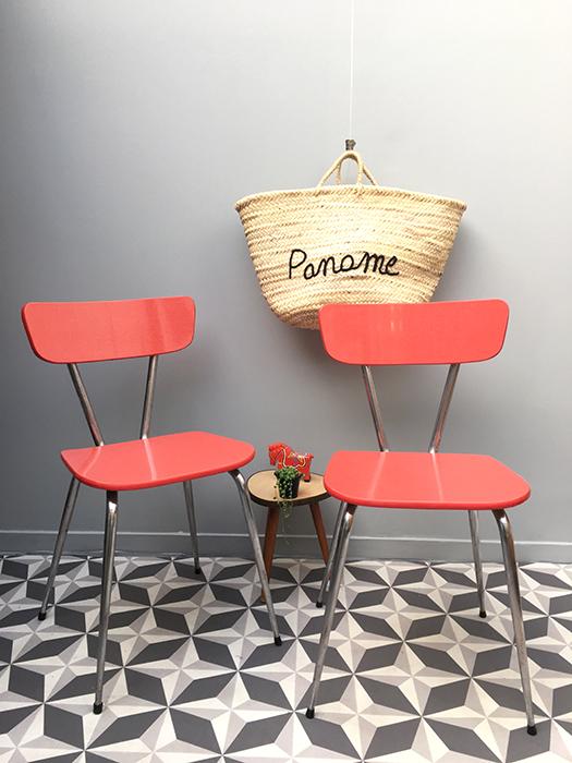 paire de chaises en formica rouge la mauvaise r putation. Black Bedroom Furniture Sets. Home Design Ideas